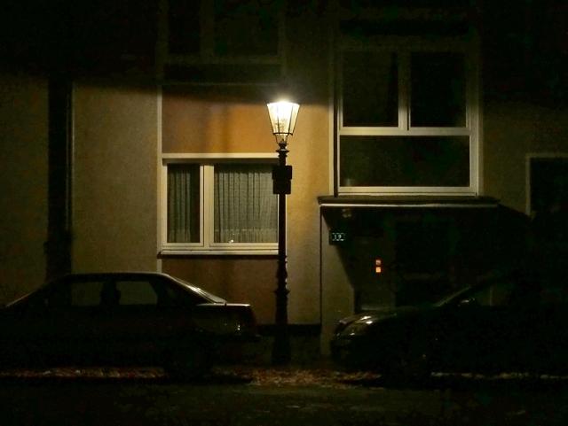 D-Torgauer Straße, Gaslaternen